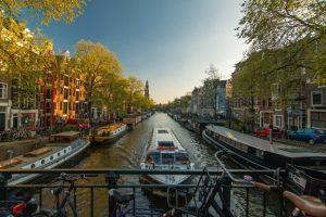 amsterdam-1089646_960_720-624x416